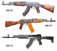 AK-47 y una AK-74