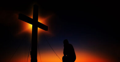 ¿Cuál es la Diferencia entre Teísmo y Deísmo? Te lo explicamos todo