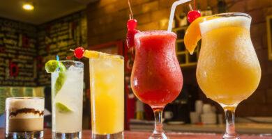 ¿Cuál es la Diferencia entre Trago y Cocktail? Te lo explicamos todo